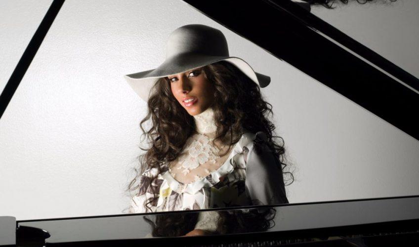 Η Alicia Keys προσφέρει το ακυκλοφόρητο τραγούδι «When You Were Gone»