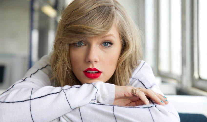 «Το δράμα της Taylor»: Η Taylor Swift διακωμωδεί τα μέσα ενημέρωσης και μας αρέσει
