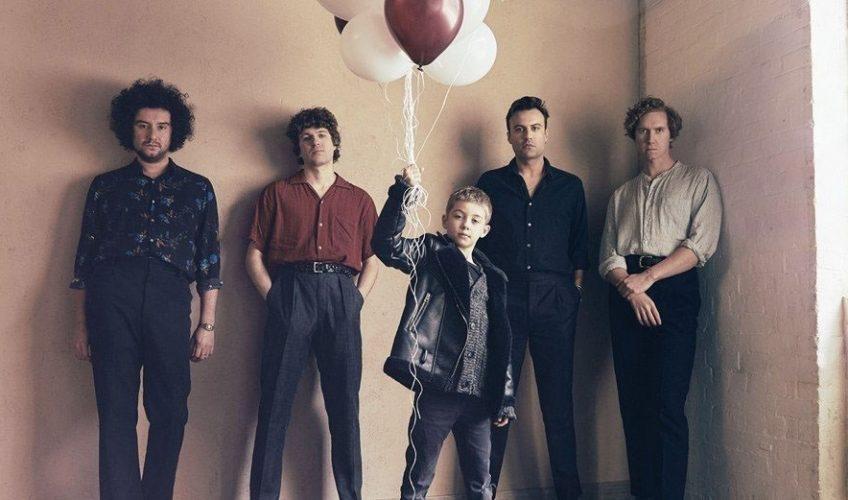 Οι Kooks επιστρέφουν κυκλοφορώντας 2 ολοκαίνουρια τραγούδια το «No Pressure» και το «All The Time».