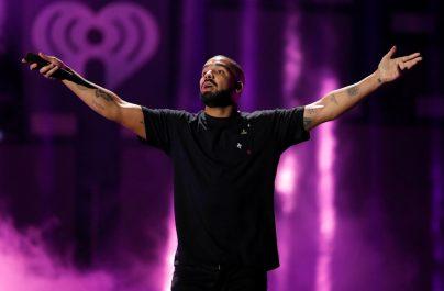 """Ο Drake κέρδισε το 25ο του Top10 με το """"Nice for What"""" που έκανε ντεμπούτο στο Νο1."""