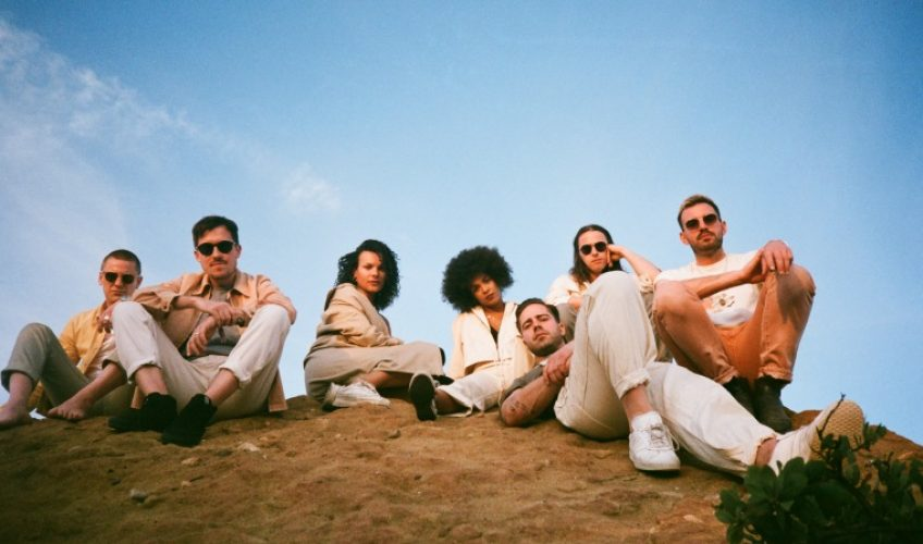 Με ιδιαίτερη χαρά η XL Recordings ανακοίνωσε τα 2 νέα τραγούδια των Jungle, «Happy Man» και «House in L.A.».