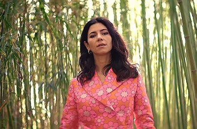 Νέο single: Marina – To Be Human (με αναφορές στην Ελλάδα φυσικά!)