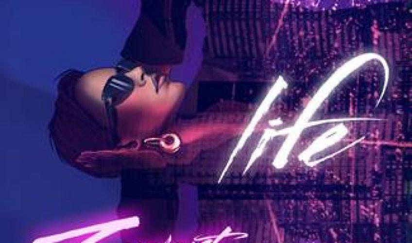 """Η Zivert παρουσίασε το νέο της single """"Life"""" στα τέλη της περσινής χρονιάς."""