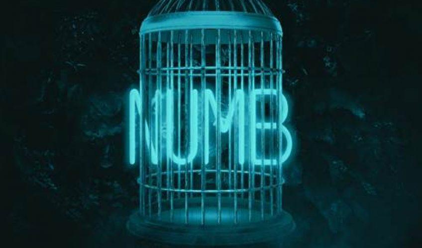 Το duo των dance παραγωγών Merk & Kremont συνεργάζονται με την ποπ τραγουδίστρια SVEA από τη Σουηδία και τον Ιταλό rapper ERNIA και μας παρουσιάζουν το τραγούδι τους με τίτλο 'Numb'.